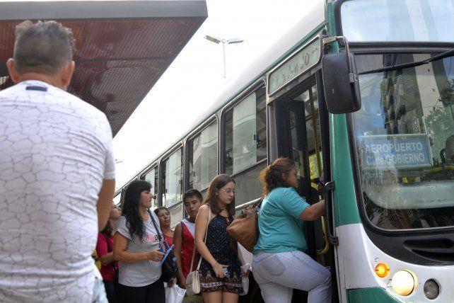 Este viernes los colectivos cumplirán servicio normal en Paraná