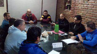 Reunión de directivos con entrenadores.