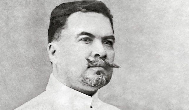 Darío fue el primer escritor hispano que incorporó a la literatura ideales estéticos del simbolismo.