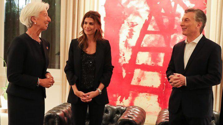 Anfitrión. Macri recibió a Lagarde junto a su mujer