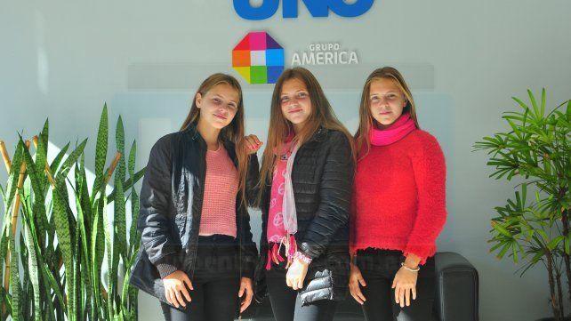 Visita. Las hermosas trillizas Stiebe pasaron por UNO previo a su cumpleaños de 15