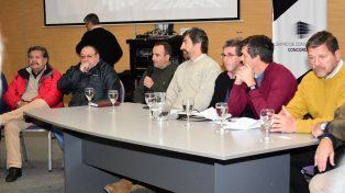 Empresarios de la madera debatieron propuestas con funcionarios para salvar al sector de la crisis