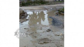 Obra en espera.Esquina de las calles Walter Heize y Lorenzo Anselmi en la ciudad de Paraná