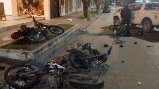 Un desastre. El conductor chocó a las cuatro motos que estaban estacionadas.