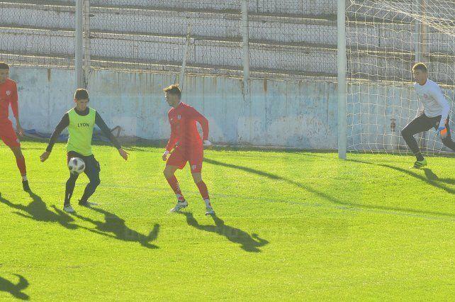 Facundo Barceló anotó un gol en el último amistoso que disputó Patronato.