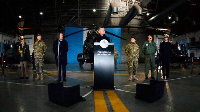 La oposición pide debatir en el Congreso los cambios en las Fuerzas Armadas
