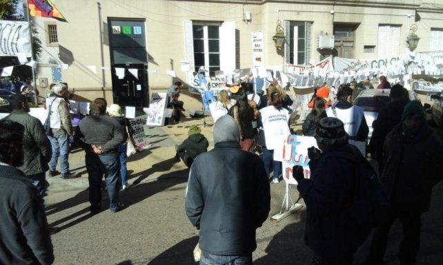 La manifestación frente al juzgado federal.