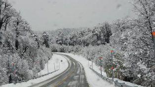 Los secretos de la nieve: ¿Porqué se forma? ¿Siempre es blanca? ¿Hace ruido?