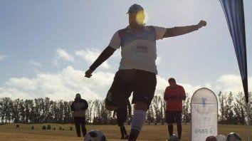 santiago ulrich escala en la liga nacional de footgolf