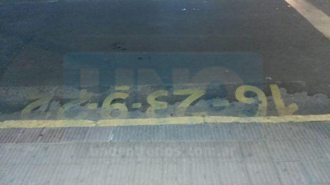 La parada. Así están señalizados los lugares donde frenan los colectivo en Paraná.