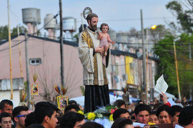 La procesión 2017 en el barrio San Roque.