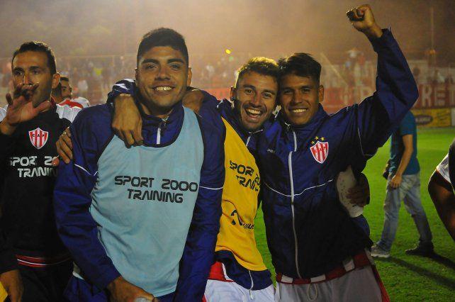 Reartes (a la izquierda) integró el plantel de la pasada temporada del Federal A.