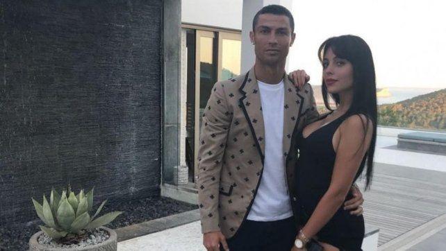 Cristiano Ronaldo y su novia argentina viajarán a Turín tras sus vacaciones