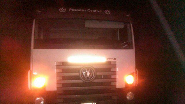 Un joven fue atropellado por un camión cuando salió a hacer dedo a la ruta