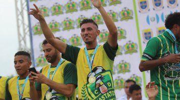 Lazaneo se coronó campeón con el Guastatoya de Guatemala.