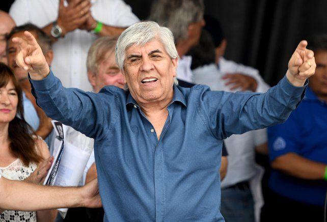 Justicia levantó millonario embargo a Camioneros y redujo la multa de Triaca