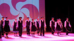 Talleres gratuitos de danzas vascas en la Asociación Urrundik