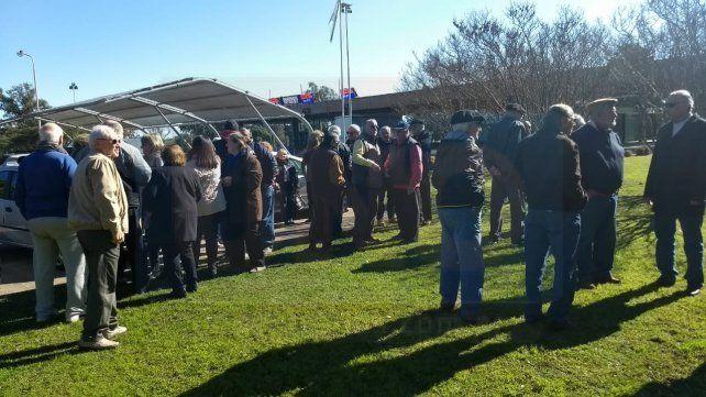 Jubilados del túnel subfluvial protestaron en reclamo por incrementos no pagados
