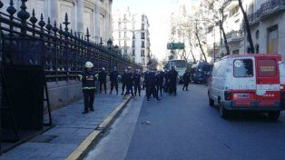 Reprimieron a los Bomberos Voluntarios que protestaban frente al Congreso de la Nación