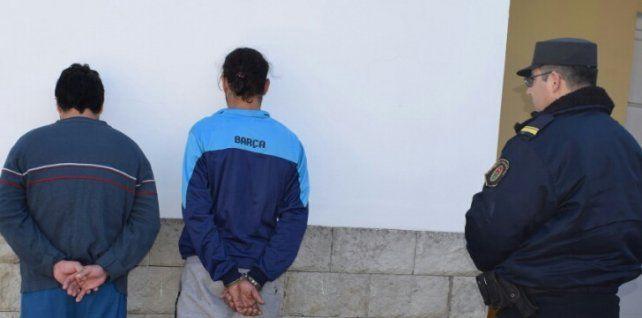 Secuestraron a una docente y la llevaron al cajero a sacar dinero