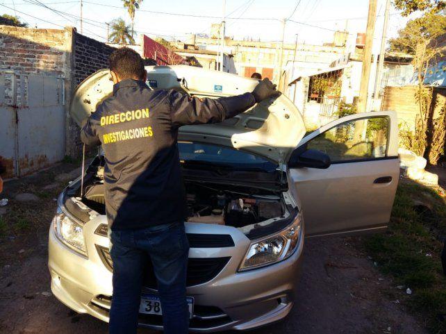 Abrupto cambio. El acusado dejó un Siam Di Tella y adquirió un auto de alta gama.