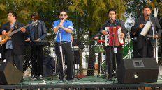 A todo ritmo. Los Soles del Palmar es una banda familiar que buscar volver a estar vigente en Paraná.