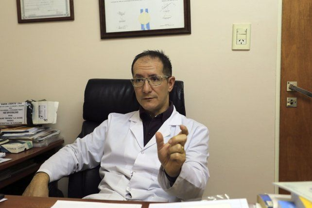 Conciencia. El urólogo Gustavo Neri consideró que el bajo nivel de consultas responde a un factor cultural.