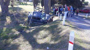 Mordió la banquina. Se cree que el auto se descontroló en la zona de Sauce Montrull.