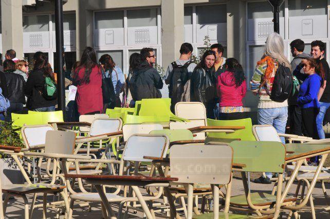 Comenzó el plan de lucha en las universidades en rechazo de los recortes presupuestarios