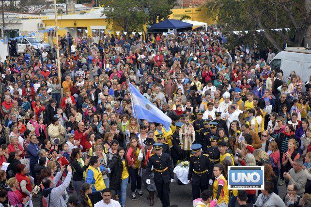 Los fieles realizaron la clásica procesión.