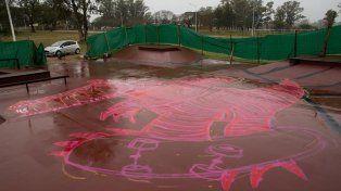 La lluvia fue retrasando la pintura.