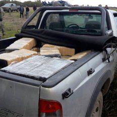 Transbordo. Habían transbordado más de 300 ladrillos de marihuana de una avioneta a la Chevrolet S 10.