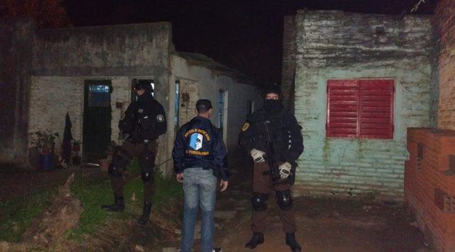 Tres personas detenidas y droga secuestrada en un procedimiento por narcomenudeo