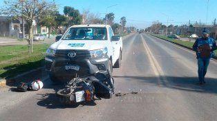 Una adolescente en moto murió tras chocar con una camioneta
