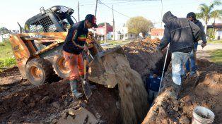 Adjudicaron obras de agua y cloacas para barrios del sur y del oeste de Paraná