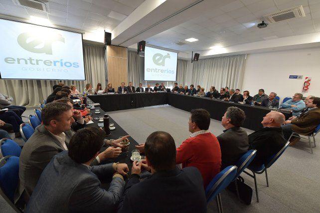 Bordet acordó con intendentes de Cambiemos las obras prioritarias