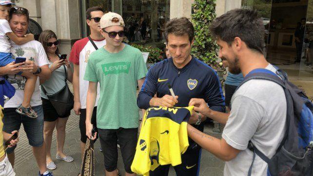 Boca llegó a España para enfrentar al Barcelona