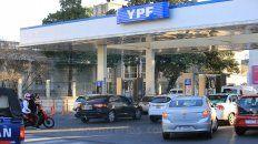 gobierno postergo la suba de impuestos a combustibles para frenar el aumento