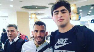 La promesa entrerriana del atletismo se sacó una foto con Carlos Tévez