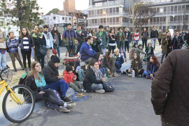 Los pañuelos verdes marcan presencia en las protestas sociales