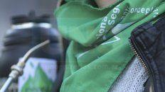 los panuelos verdes marcan presencia en las protestas sociales