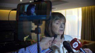 Con los medios. La ministra habló con UNO y otros periodistas. Foto: Mateo Oviedo