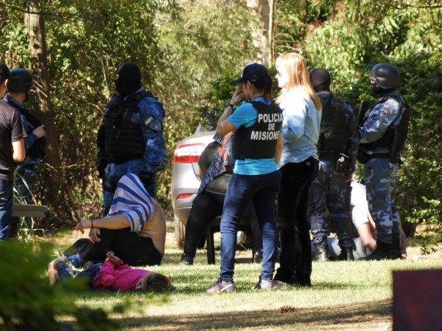 Operativo. La Policía misionera actuó con rapidez para evitar que Rojas y sus supuestos cómplices escaparan.