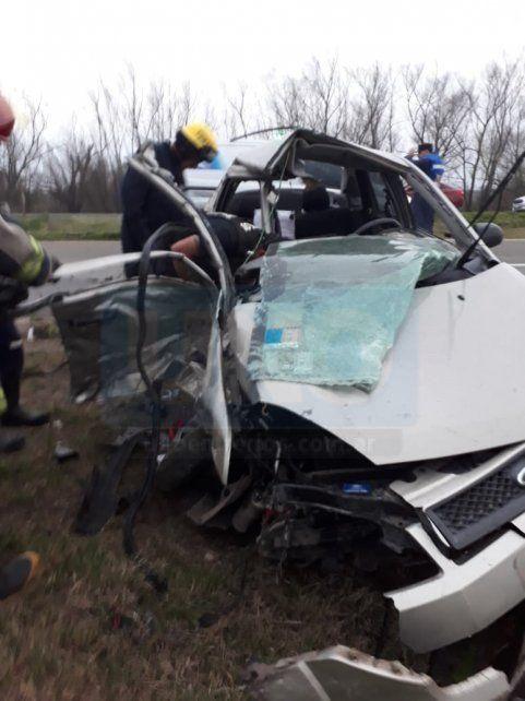 Brutal choque de dos vehículos en la autovía con una persona fallecida