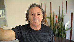 Polifuncional. Alejandro Dilenque es un deportista destacado de Paraná. Representó a la provincia en el básquet y fue campeón de pelota a mano.