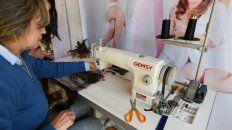 Nueva etapa. Lograron comprar una máquina que les posibilitará hacer el trabajo en menos tiempo.