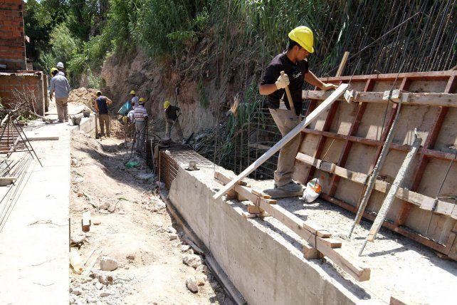 Resultado de imagen para Avanza la construcción de la defensa urbana de Villa Paranacito