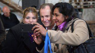 Bordet. Una selfie con integrantes de las entidades sociales.
