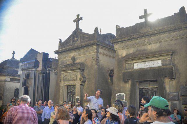 Anécdotas. Los mausoleos cuentan historias de masones