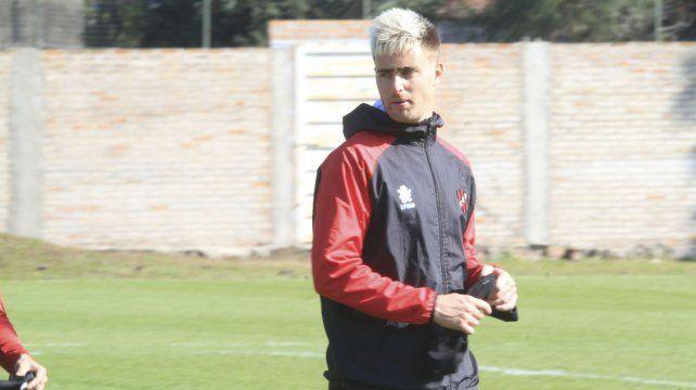 Rescaldani reemplazará a Barcelo en el ataque